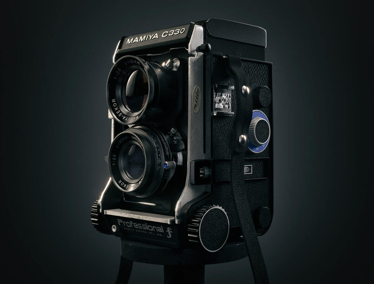 Mamiya C330 Film Camera Product Visualisation